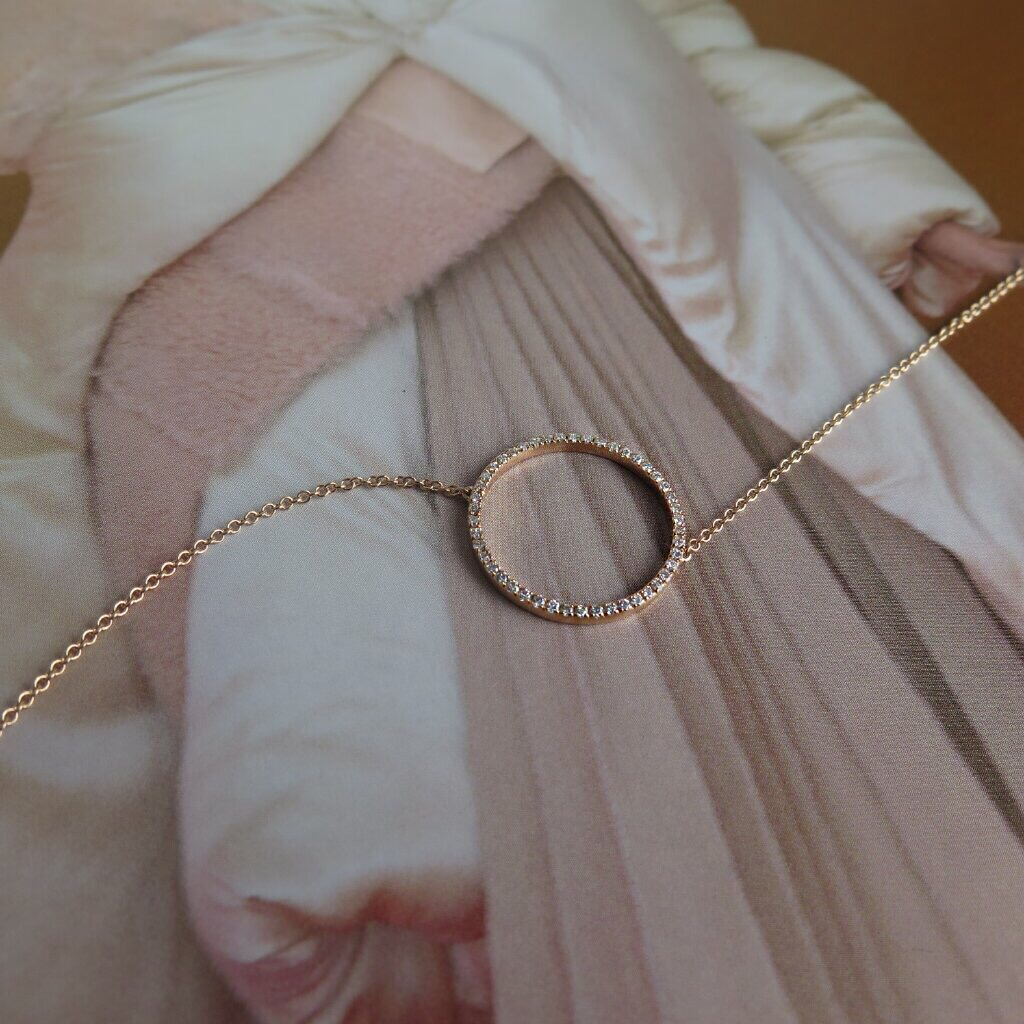 Rose gold and diamondnecklace 1